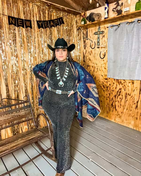 Cowgirl Outfit Style for Plus Size Women