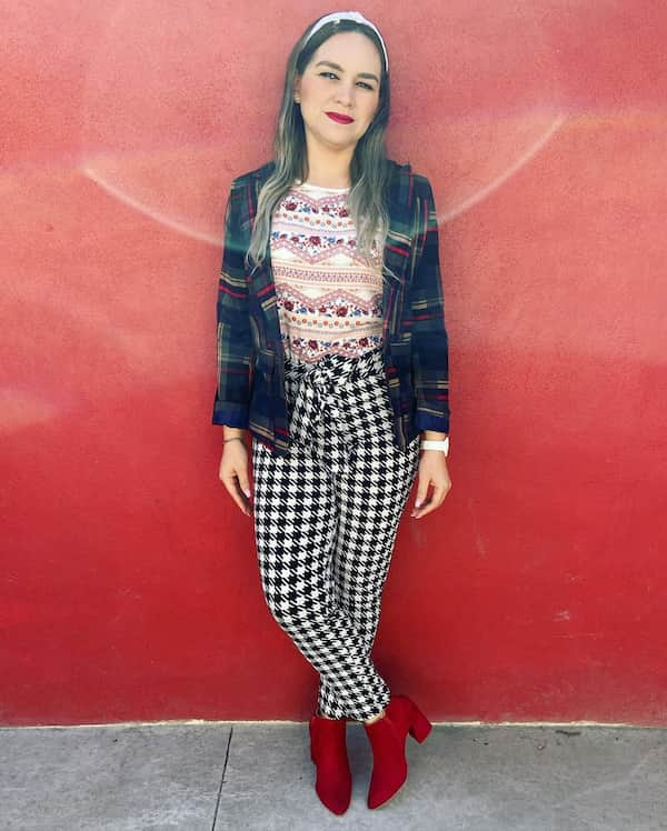 Printed Blouse + Ankle boot sand Blazer + Printed Pants + Red Ankle boots