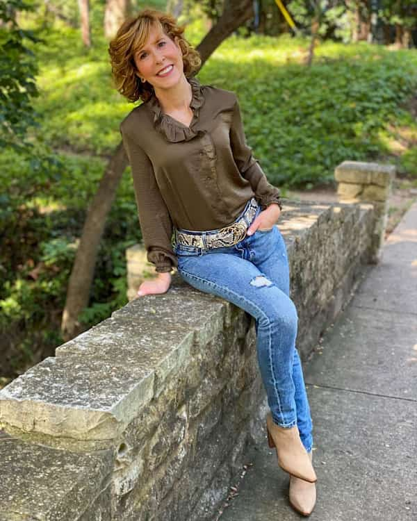 Blouse Top + Jeans Trousers + Boot Heels