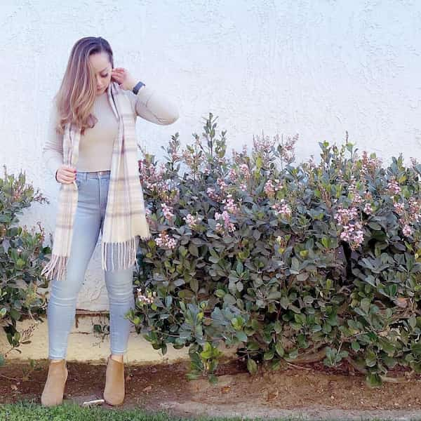 Crop Knit Jumper with Light Blue Jeans Trousers + Boots