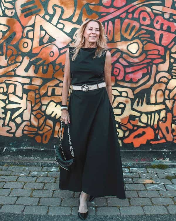Sleeveless Black Gown + Belt + Shoes + Chic Bag
